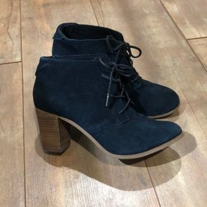 Tom's Lace Up Black Booties